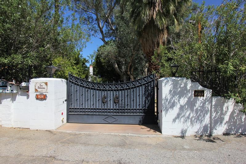 Cary Grant Home front gate - Palm Springs - History's Homes